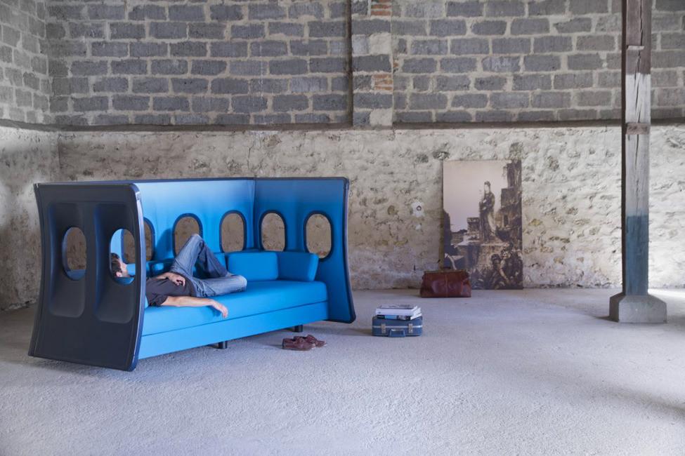 Диван с иллюминаторами от дизайнера Marc Venot