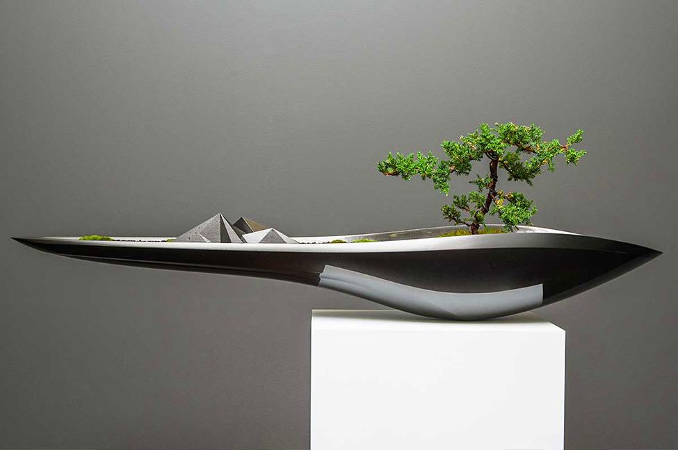 Дизайнерский вазон в стиле бонсай