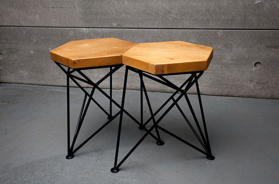 Стол Apollo и табурет Spike в новой коллекции мебели Uniquely
